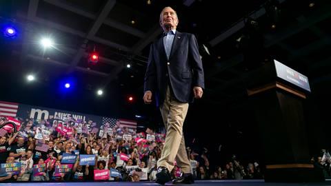 Michael Bloomberg abandona la carrera 2020 y respalda a Biden