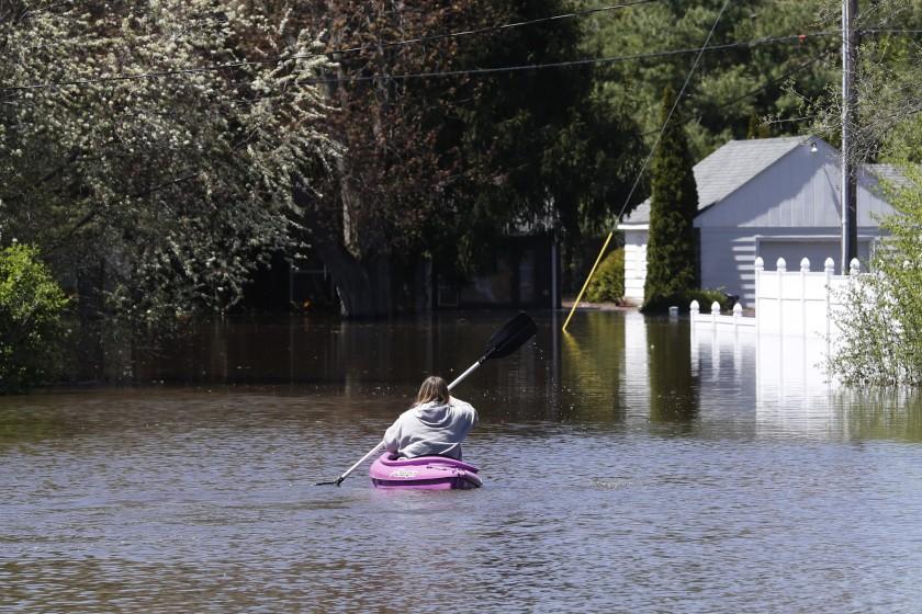 Verdaderamente devastador: Funcionarios de Michigan evalúan daños por inundaciones