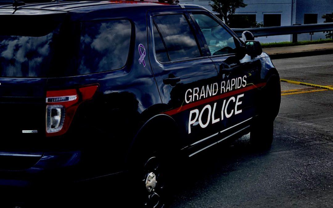 Nueve personas fueron arrestadas anoche durante el toque de queda