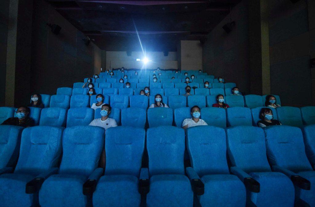 Los cines de China reabrirán después de seis meses de cierre