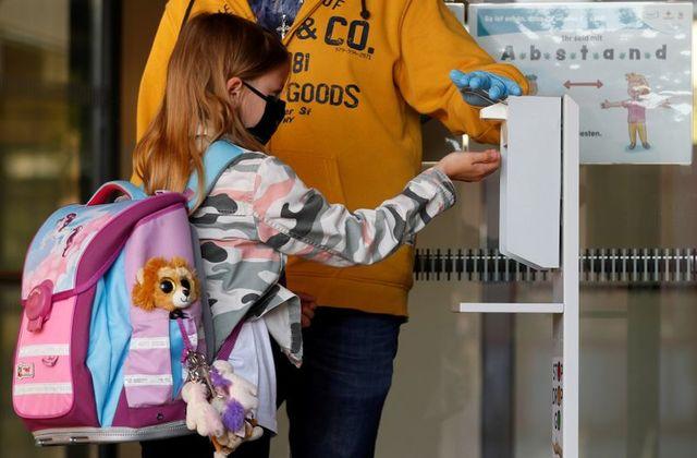 Esto es lo que los distritos escolares de Michigan han planeado para el otoño en medio de la pandemia