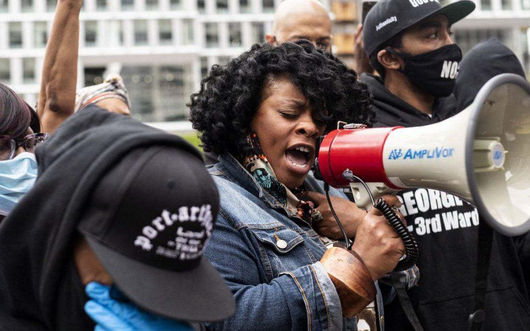 Activistas afroamericanos y latinos se unen en un llamado al cambio