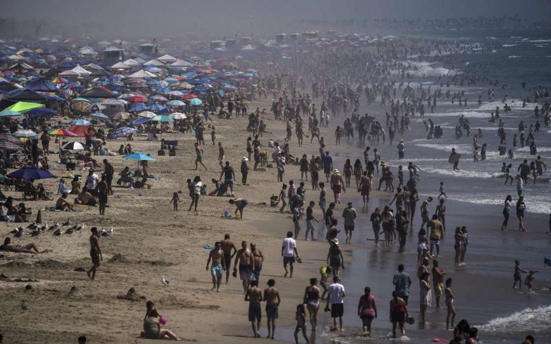 Playas abarrotadas y fiestas masivas: así se celebra el Labor Day en plena pandemia