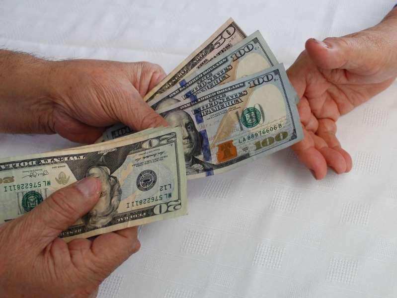 ¿Habrá un tercer cheque de estímulo de $2,000? Esto es lo que sabemos hasta ahora