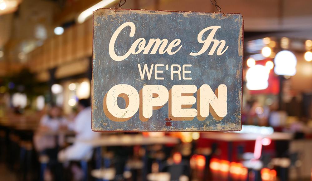 Los restaurantes de Michigan pueden reabrir hoy el comedor interior
