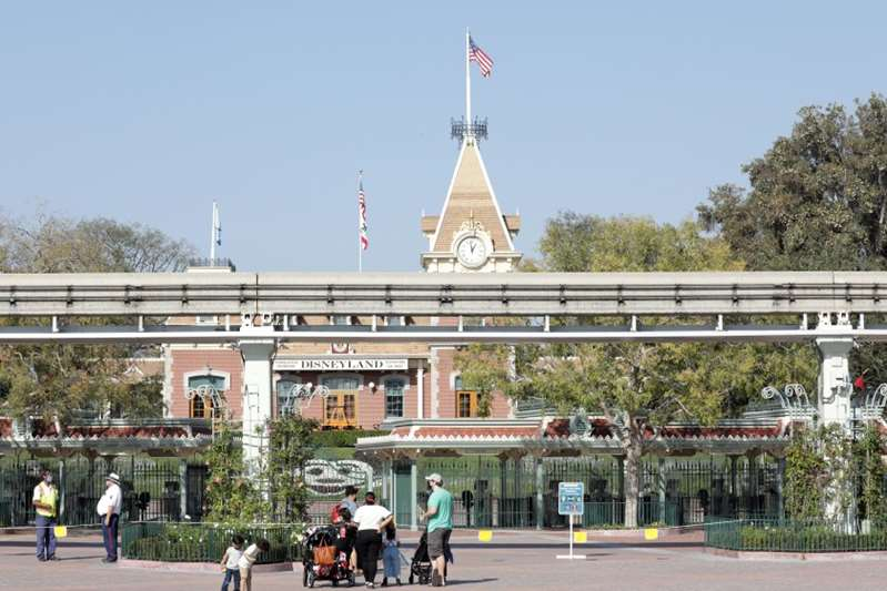 Disneyland reabrirá el 30 de abril