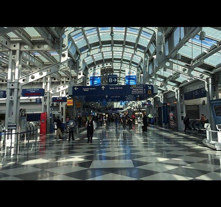 Hombre es acusado de vivir en el aeropuerto O'Hare durante 3 meses