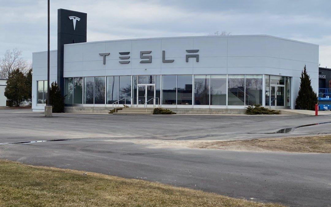 Tesla se prepara para abrir el primer centro de servicio en West Michigan