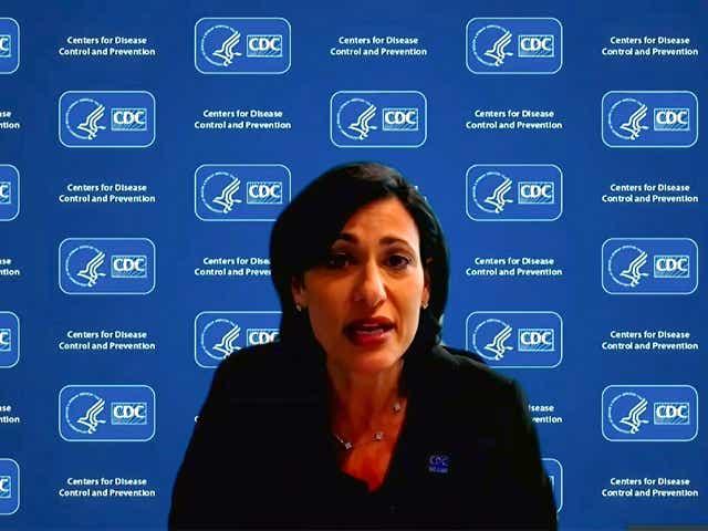 CDC quiere restricciones 'más fuertes' en Michigan, contrarrestando a Whitmer