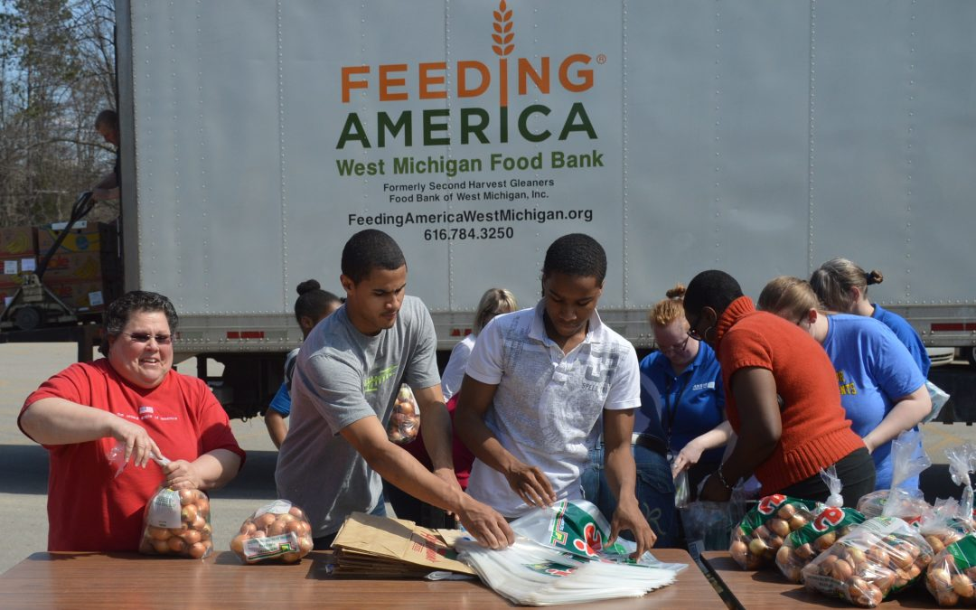 Feeding America West Michigan inicia la Cumbre del Hambre