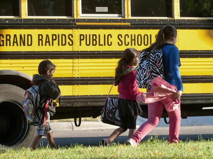 Las escuelas públicas de Grand Rapids retrasan aún más la expansión del aprendizaje en persona