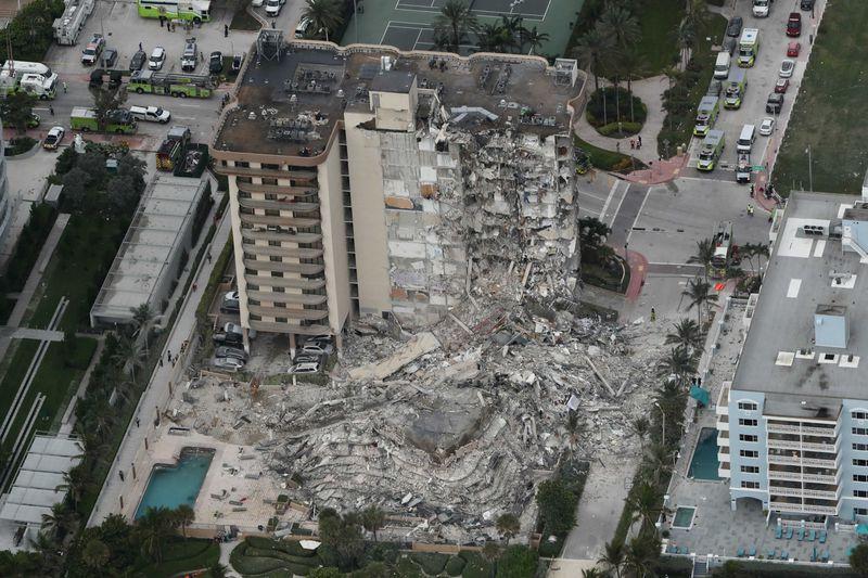 El número de muertos en el colapso de Florida se eleva a 4 y 159 personas siguen desaparecidas