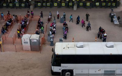 El gobernador de Texas anuncia que construirá un muro en la frontera con México
