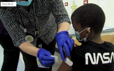La vacuna COVID-19 para niños menores de 12 años podría aprobarse a mediados del invierno