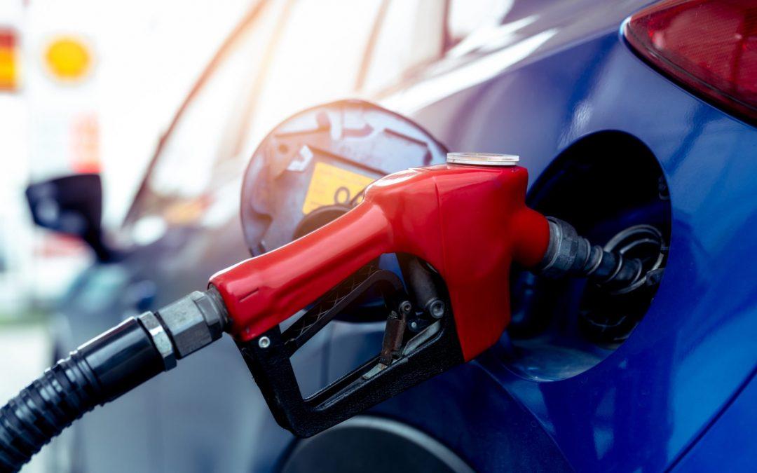 El precio promedio de la gasolina en Michigan establece un máximo para 2021 después de subir 9 centavos por galón